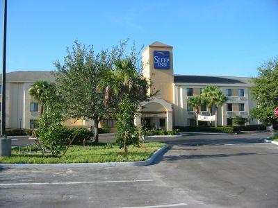 Mein Sleep-Inn Hotel gleich neben Disney-World. Eindrücke von Orlando während meiner Reise nach Florida, USA.