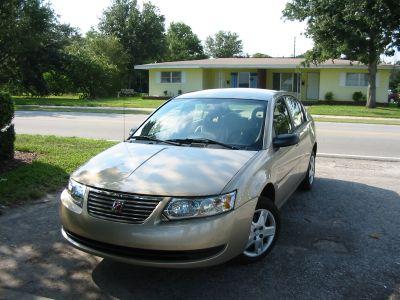 Mein Auto, ein Saturn Ion. Eindrücke von Orlando während meiner Reise nach Florida, USA.