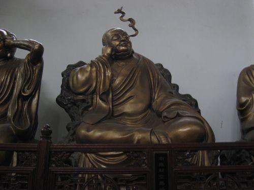 Ein relaxter Buddha in Hangzhou 杭州 und der Westsee 西湖, China 中国