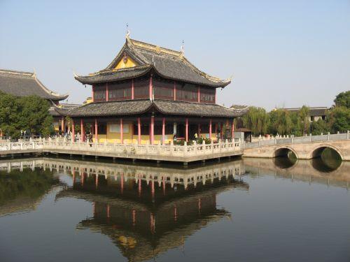 Tempelanlage in Zhouzhuang 周庄镇 - eine der bekanntesten Wasserstädte, Shanghai 上海, China 中国