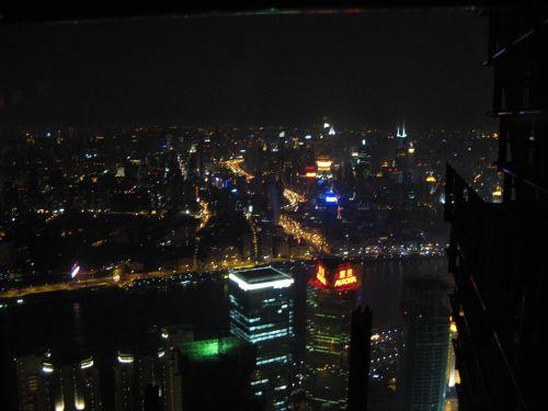 Bunte Lichter vom Jin Mao Tower 金茂大厦 und Cloud 9 Bar, Shanghai 上海, China 中国