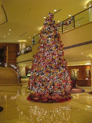 Weihnachtsbaum. Weihnachten im Marriott Hongqiao Hotel Shanghai 上海