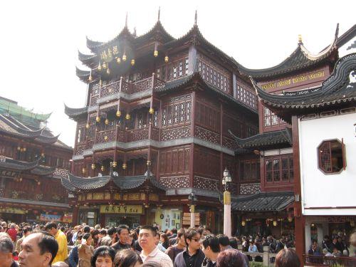 Dichtes Gedränge in Shanghai 上海 - The Bund 外滩 und die Innestadt, China 中国