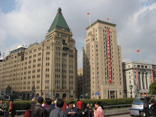 Historische Gebäude am Bund. Shanghai 上海 - The Bund 外滩 und die Innestadt, China 中国