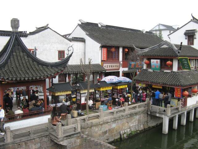 Verkaufsstände in Qibao 七宝镇 - die 'Seven Treasures Town' mitten in Shanghai 上海, China 中国.