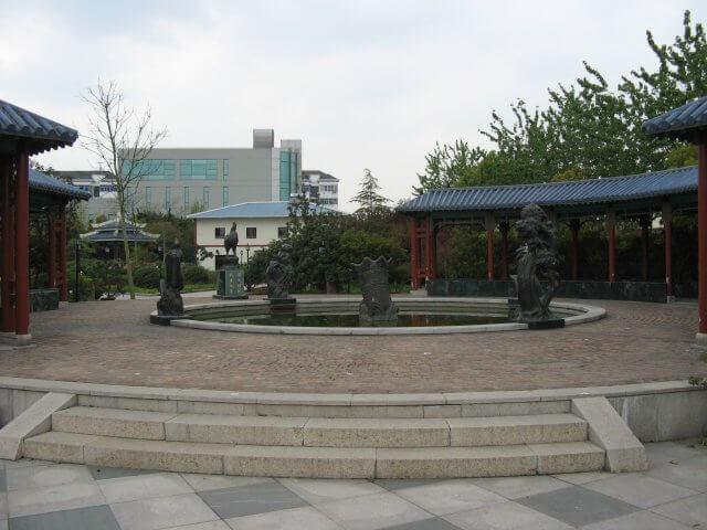 Brunnen in Qibao 七宝镇 - die 'Seven Treasures Town' mitten in Shanghai 上海, China 中国.