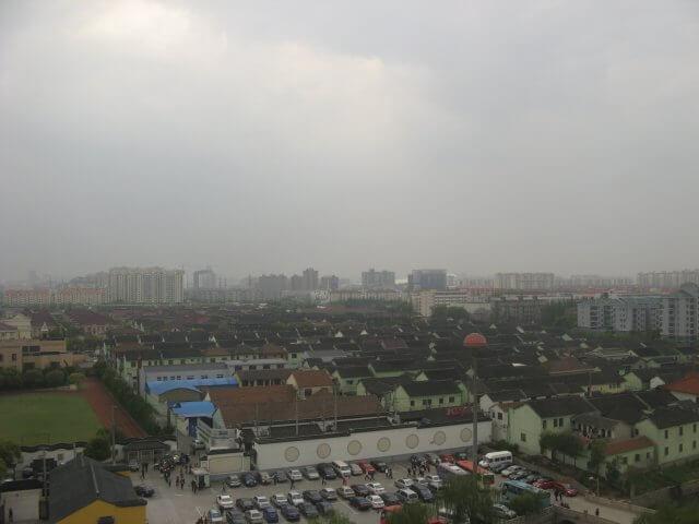Stadtansichten von oben in Qibao 七宝镇 - die 'Seven Treasures Town' mitten in Shanghai 上海, China 中国.