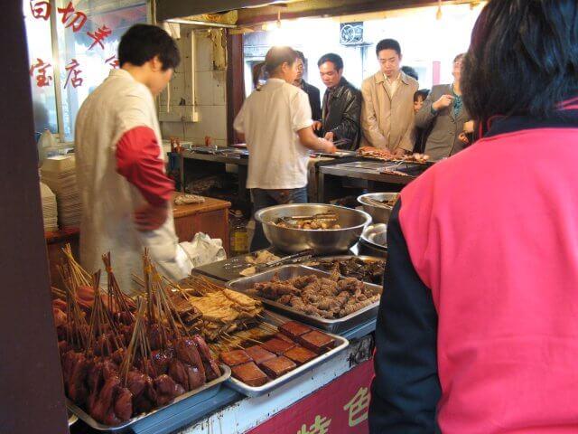 Grillhütte in Qibao 七宝镇 - die 'Seven Treasures Town' mitten in Shanghai 上海, China 中国.