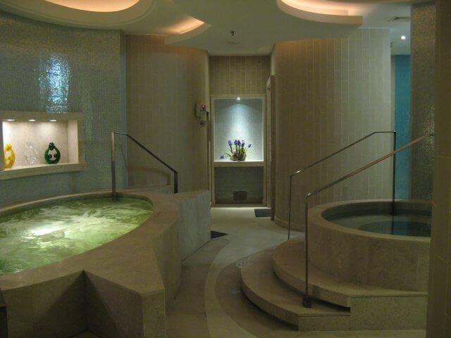 Saunabereich. Hotelbilder aus dem Millenium Hongqiao Hotel in Shanghai 上海, China.