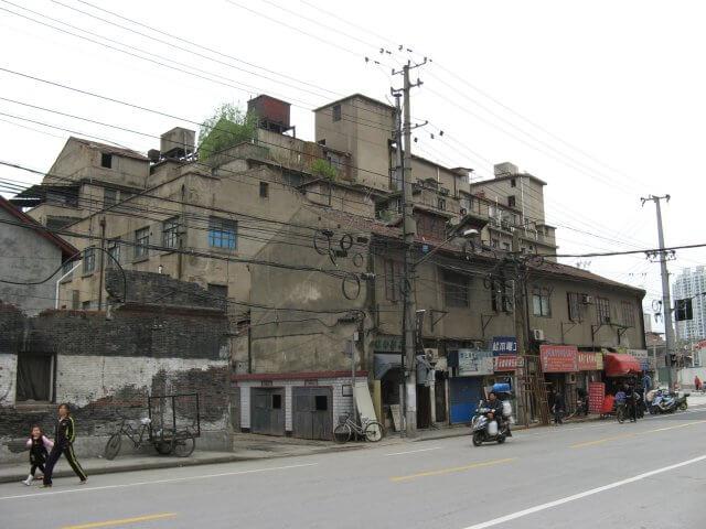 Abbruchreifes Haus. My life - your life. Das Leben in Shanghai 上海.
