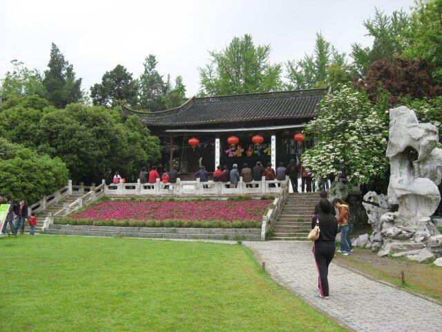 Chinesisches Puppentheater. Dienstreise nach Yangzhou 扬州市, Slender West Lake 瘦西湖), China.
