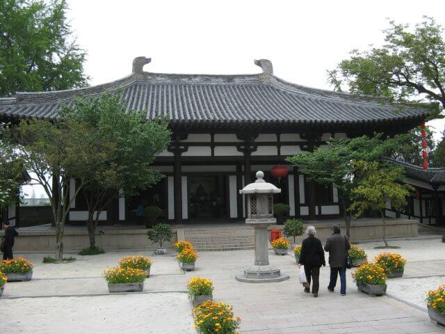 Da Ming Tempel. Dienstreise nach Yangzhou 扬州市, Slender West Lake 瘦西湖), China.