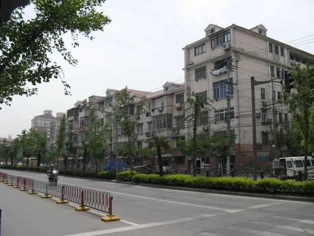 Typische Appartments. Schön ist anders. Alltägliche Bilder aus Shanghai 上海, China.