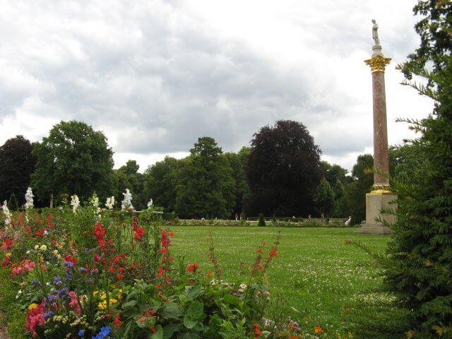 Blumen im Park. Eindrücke aus Potsdam, Sanssouci und neues Palais.