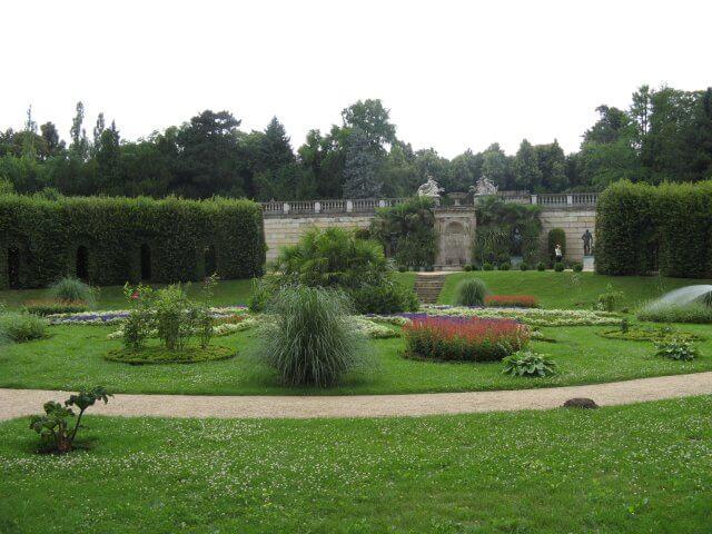 Eindrücke aus Potsdam, Gartenanlage. Sanssouci und neues Palais.