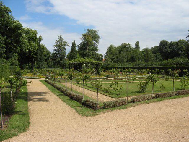 Neu gestalteter Park. Eindrücke aus Potsdam, Sanssouci und neues Palais.