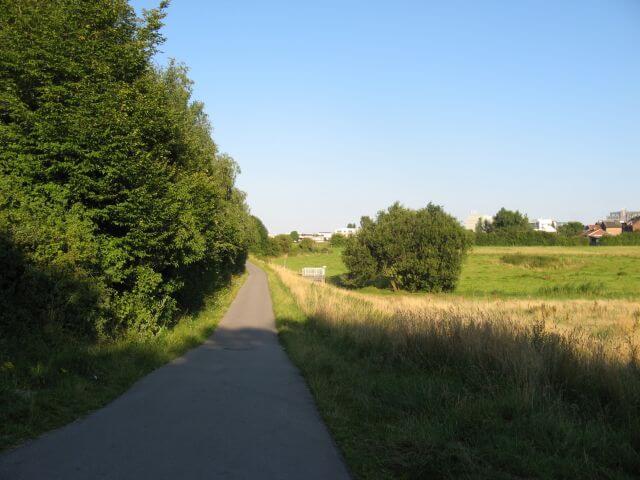 Der Vennbahnweg von Aachen in die Eifel nahe Neuenhofstraße. Ein Radweg in Bildern.