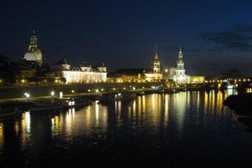 Dresden bei Nacht - Elbe, Schlösser und Burg Stolpen.
