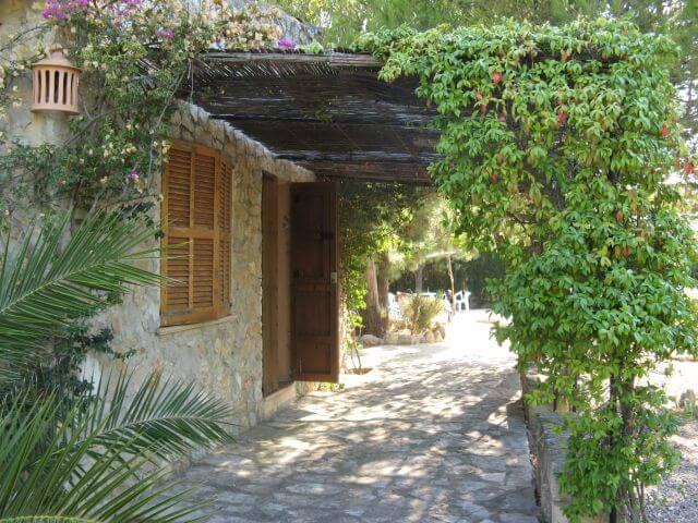Unsere Finca, Nebengebäude. Wanderungen in der Bergwelt Mallorcas.