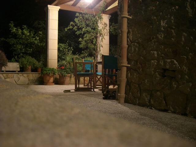 Die Terasse unserer Finca. Wanderungen in der Bergwelt Mallorcas.