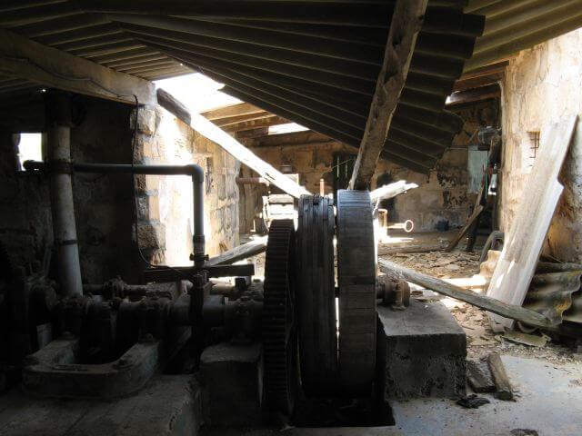 Verfallene Pumpstation. Wanderungen in der Bergwelt Mallorcas.