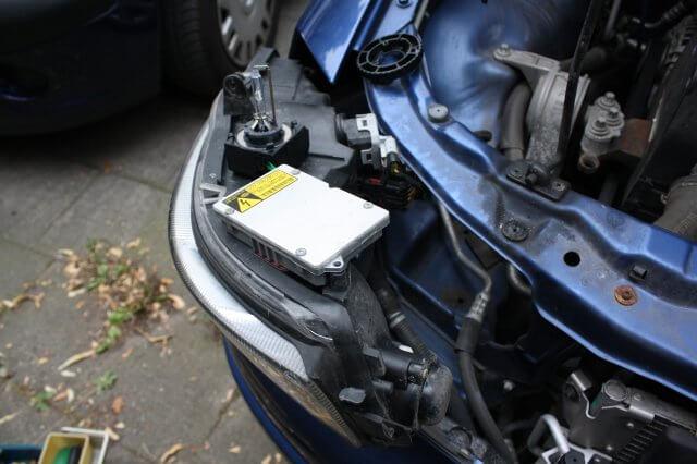 Xenon Steuermodul Hella 5DV 008 290-00 Testaufbau. Opel Astra G Xenon Scheinwerfer Licht Reparatur.