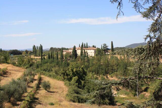 Weingut in der Sonne. Toskana-Landschaft, Italien