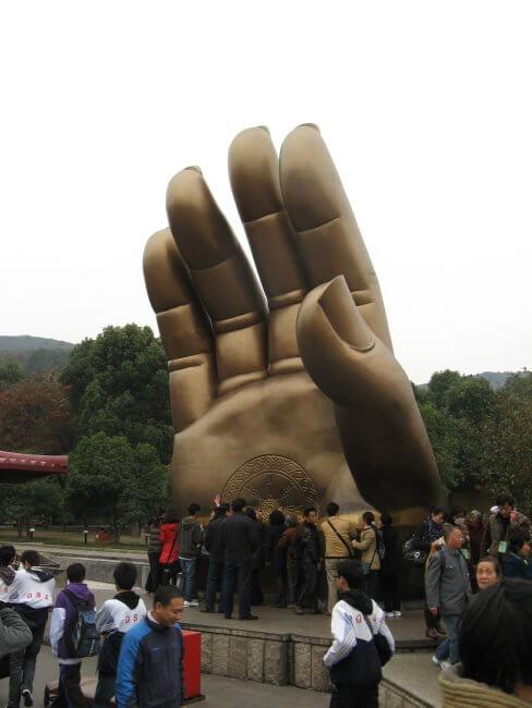 Einzelne Hand des großen Buddha. Lingshan 灵山, Grand Buddha, Provinz Wuxi, China.