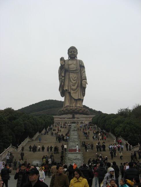 Berg mit großem Buddha. Lingshan 灵山, Grand Buddha, Provinz Wuxi, China.