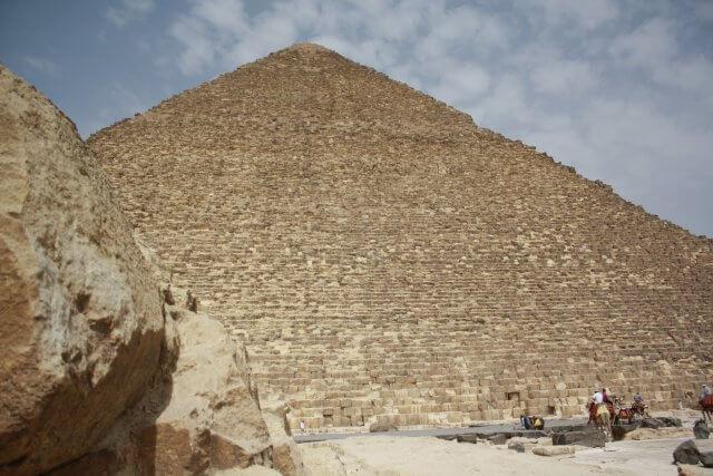 Pyramide in Kairo. Sommerurlaub in Ägypten - Kairo, Pyramiden und Rotes Meer