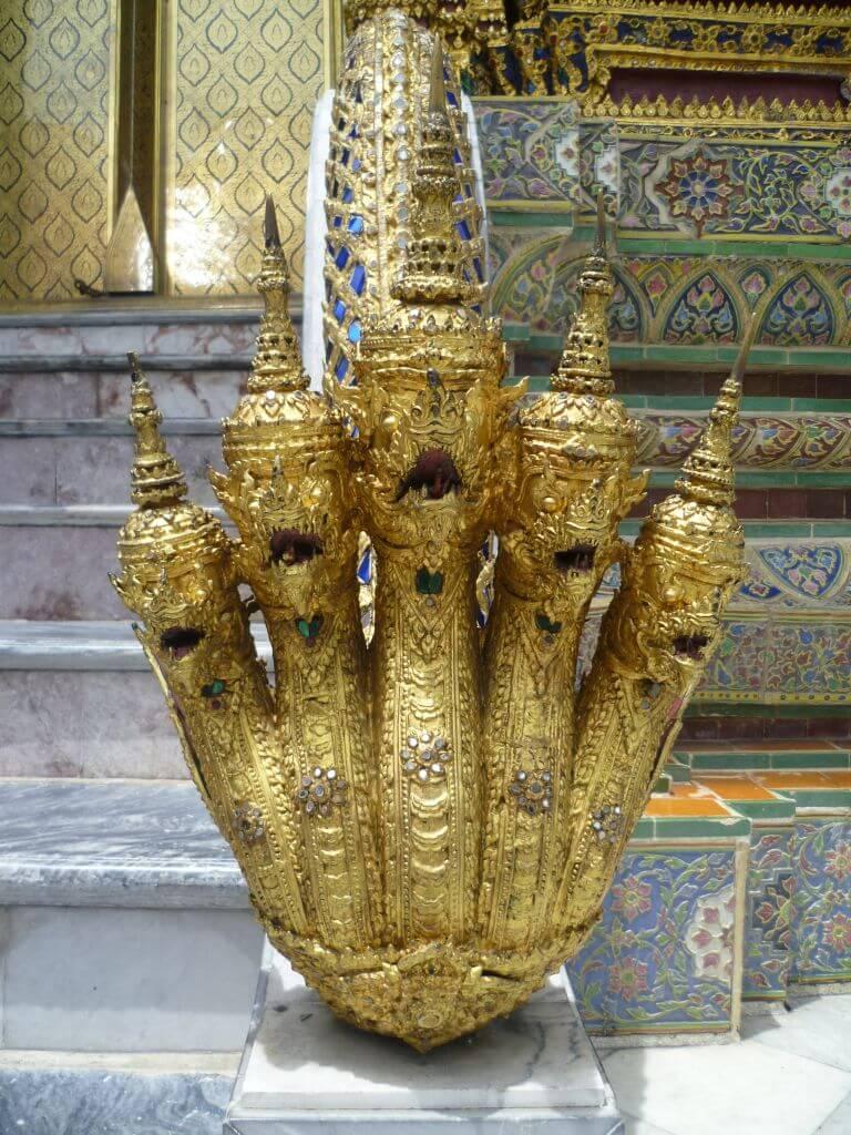 Goldene Hand am Königspalast. Bilder und Eindrücke aus Bangkok - Thailand