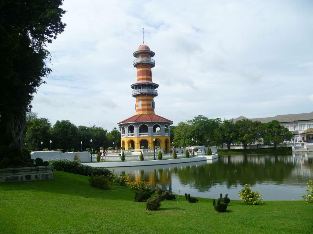 Leuchtturm im Park. Bilder und Eindrücke aus Bangkok - Thailand