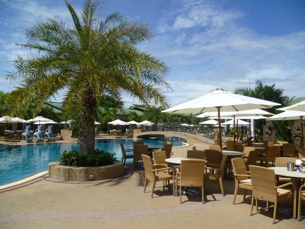 Pool. Hotelanlage. Thailand.