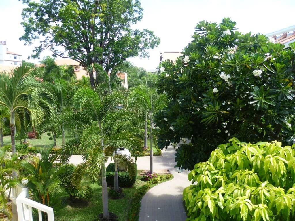 Ausblick vom Balkon. Hotelanlage. Thailand.