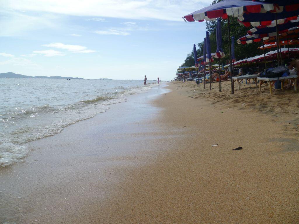 Traumhafter Strand auf der Insel Koh Larn (Ko Lan), Thailand