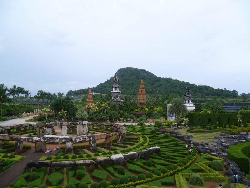 Stonehenge Nachbau im Nong Nooch - tropical botanical garden, Thailand.