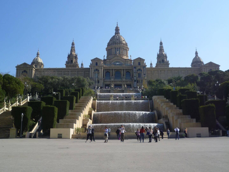 Am Fuß des Montjuic. Wochenendtrip zu Gaudi nach Barcelona, Spanien.
