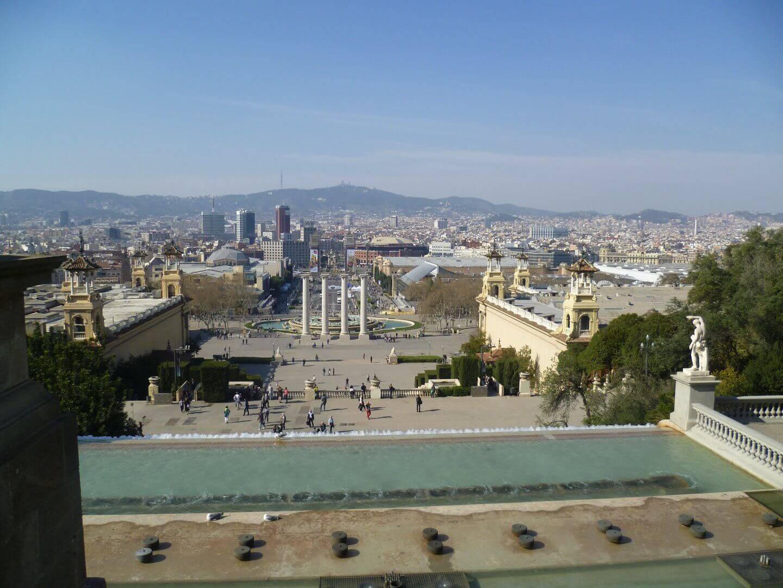 Blick vom Montjuic zur Stadt. Wochenendtrip zu Gaudi nach Barcelona, Spanien.