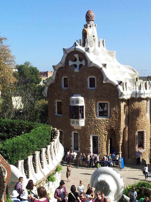Gaudi Haus im Park Güell. Wochenendtrip zu Gaudi nach Barcelona, Spanien.