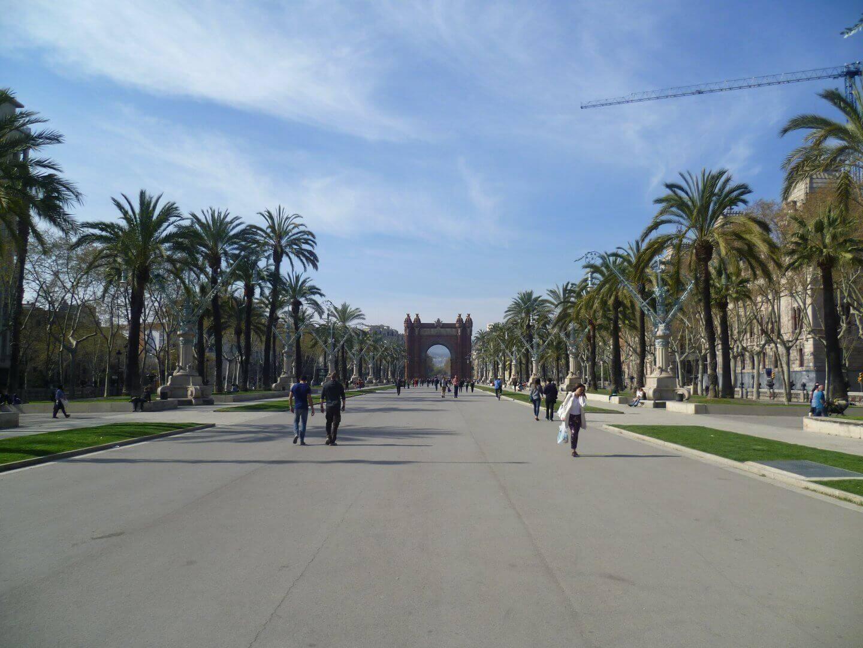 Promenade im Parc de la Ciutadella. Wochenendtrip zu Gaudi nach Barcelona, Spanien.