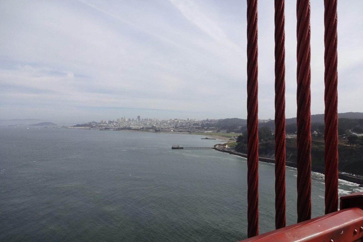 Blick von der Golden Gate Bridge nach Downtown. Bilder und Eindrücke aus San Francisco, California, United States.