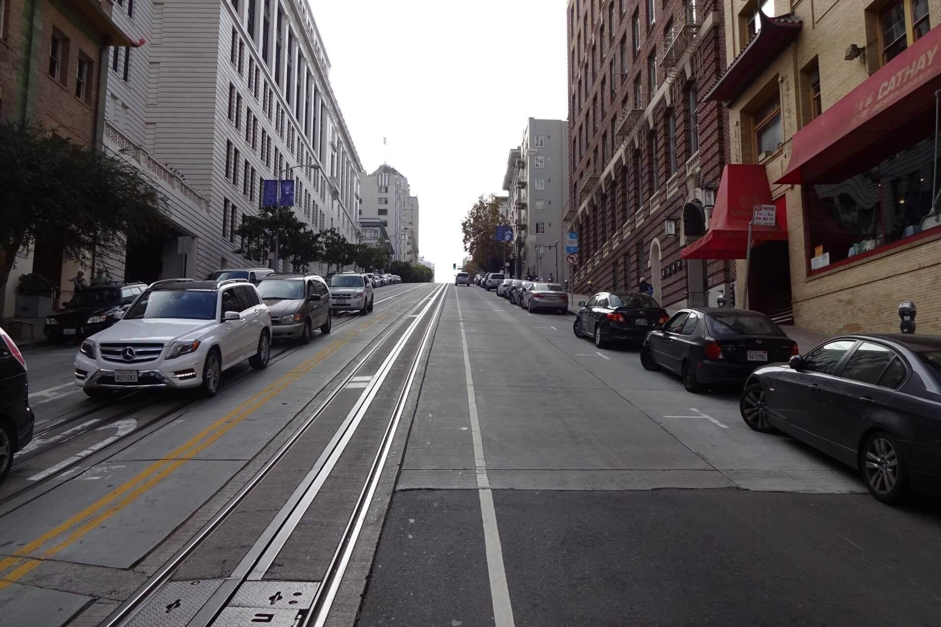 Anstieg zum Russian Hill. Bilder und Eindrücke aus San Francisco, California, United States.