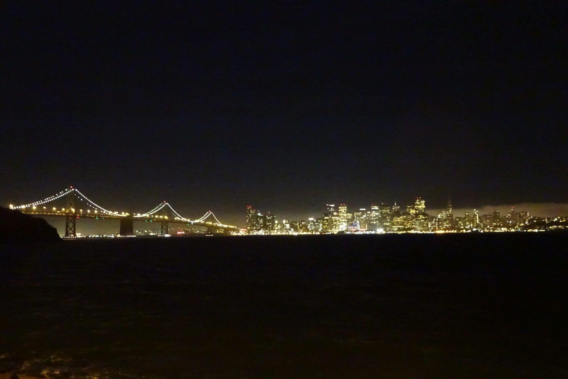 Bay Bridge bei Nacht. Bilder und Eindrücke aus San Francisco, California, United States.