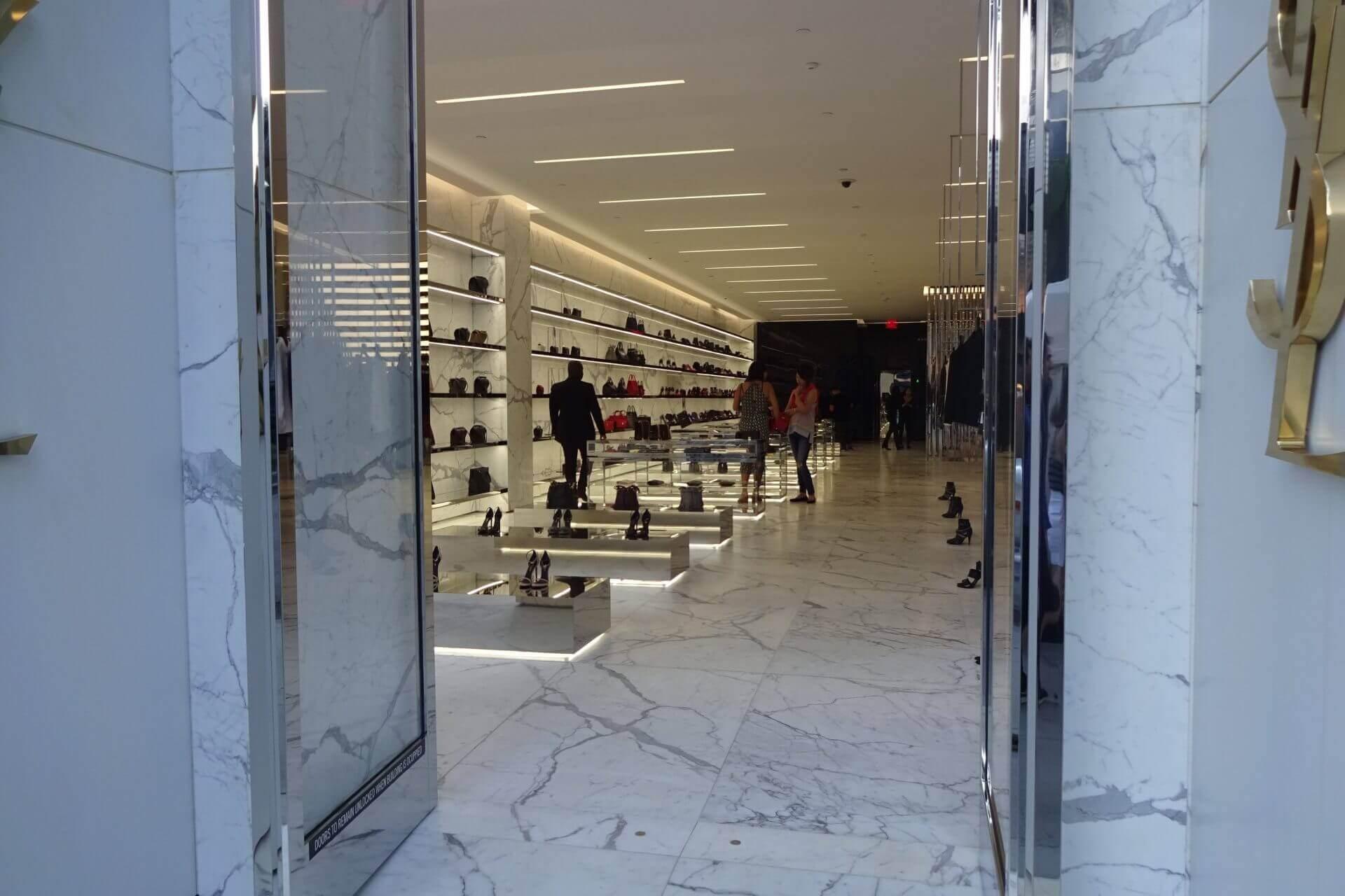 Schicker Laden am Rodeo Drive. Beverly Hills. Bilder und Eindrücke aus Los Angeles und Hollywood, Kalifornien, USA.