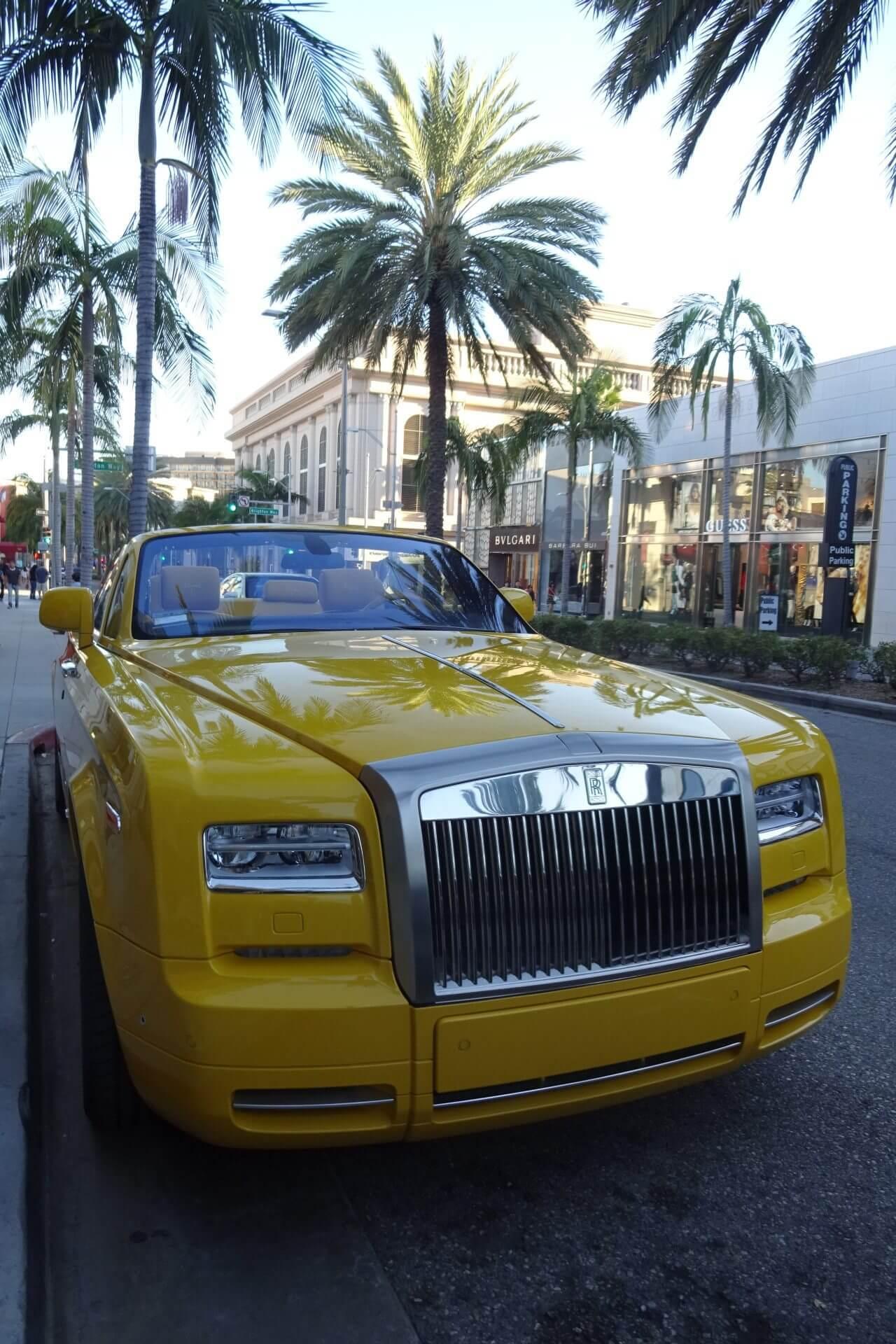 Rolls Royce am Rodeo Drive. Beverly Hills. Bilder und Eindrücke aus Los Angeles und Hollywood, Kalifornien, USA.