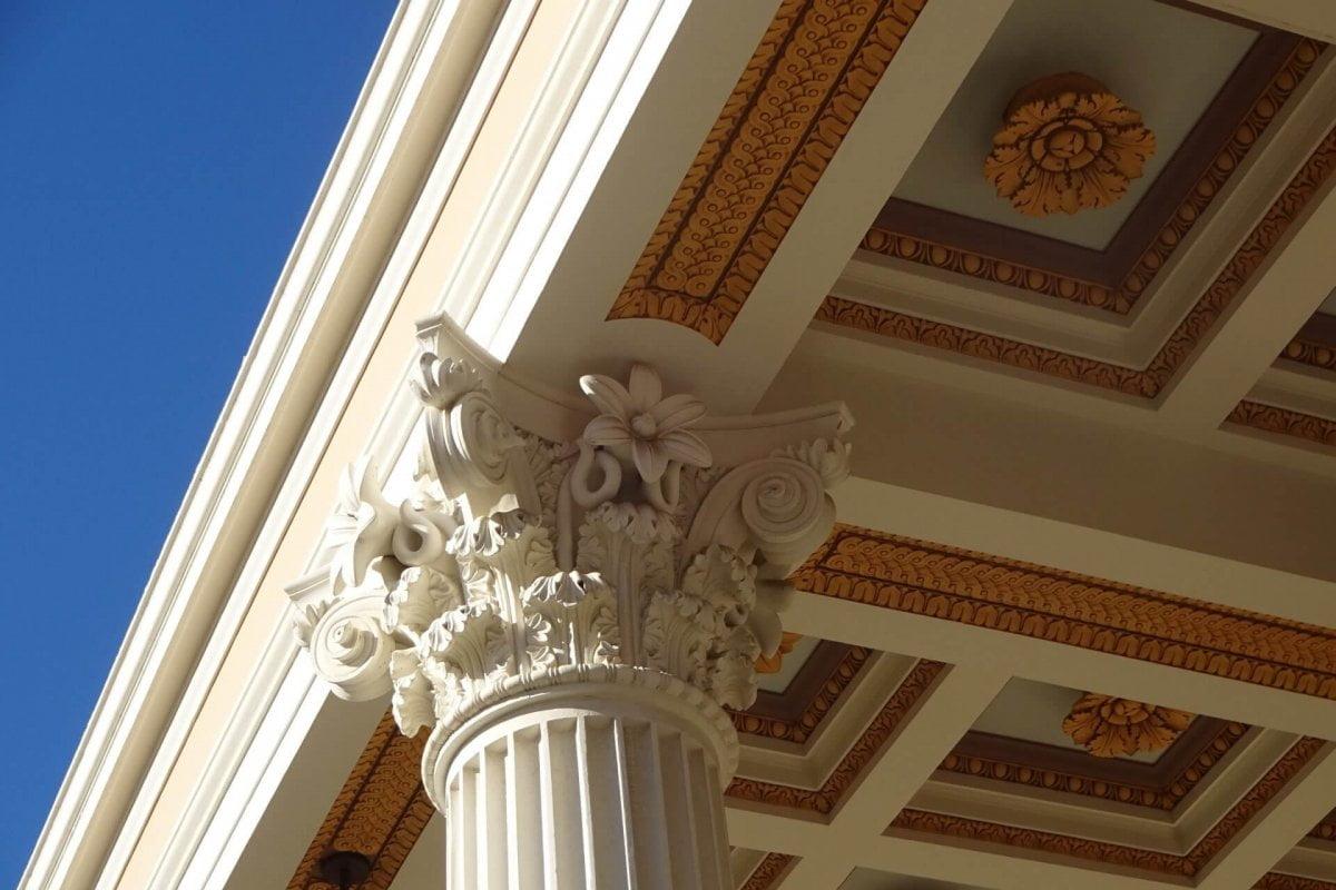 Säule in der Getty Villa. Bilder und Eindrücke aus Los Angeles und Hollywood, Kalifornien, USA.