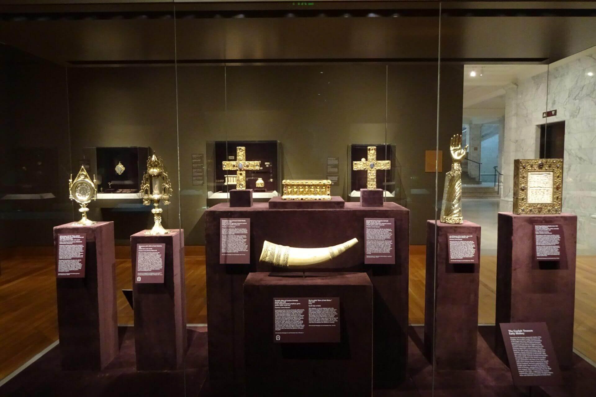 Gold im Cleveland Art Museum. Bilder und Eindrücke aus Cleveland, Ohio, United States.
