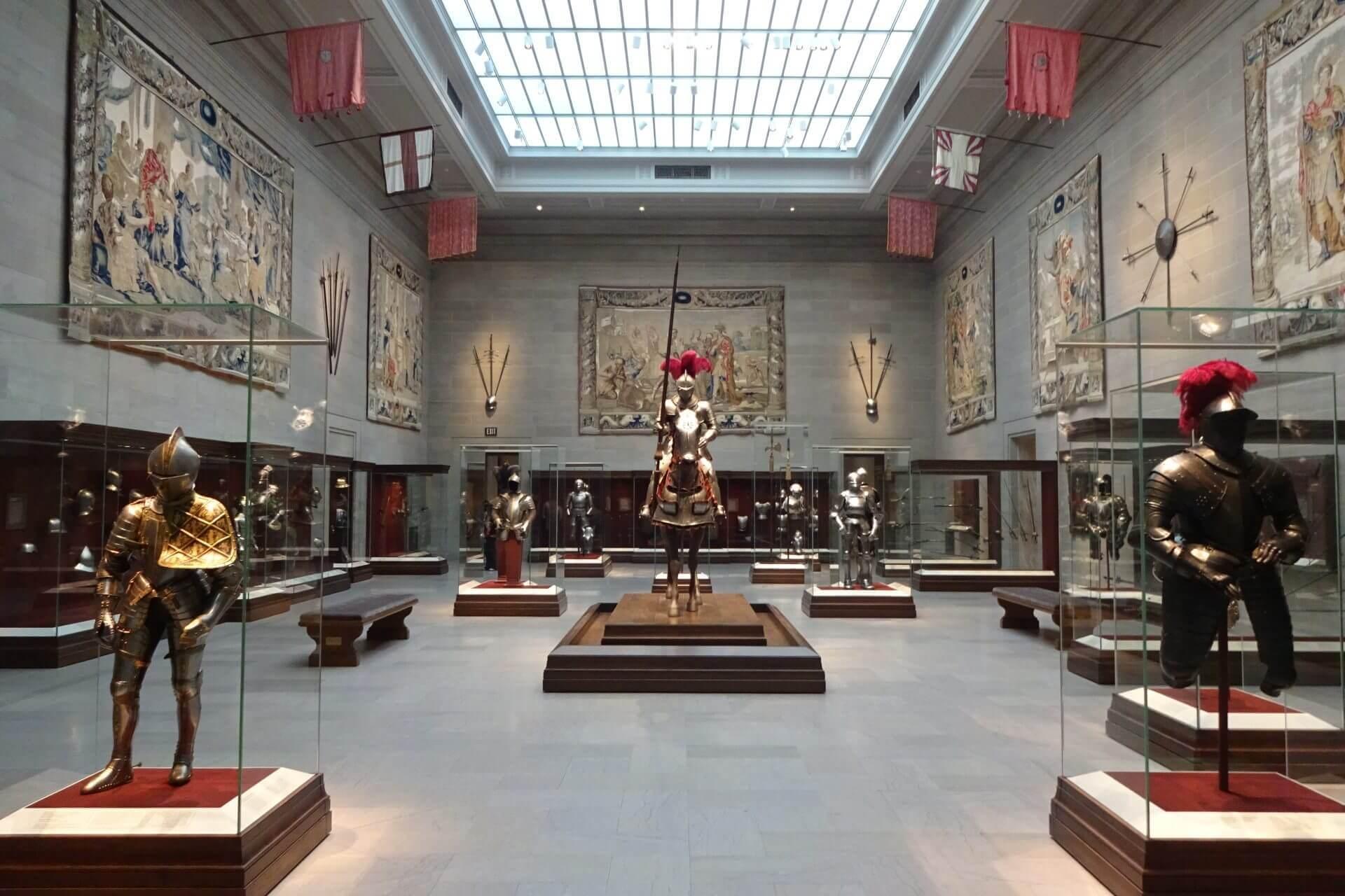 Rittersaal im Cleveland Art Museum. Bilder und Eindrücke aus Cleveland, Ohio, United States.