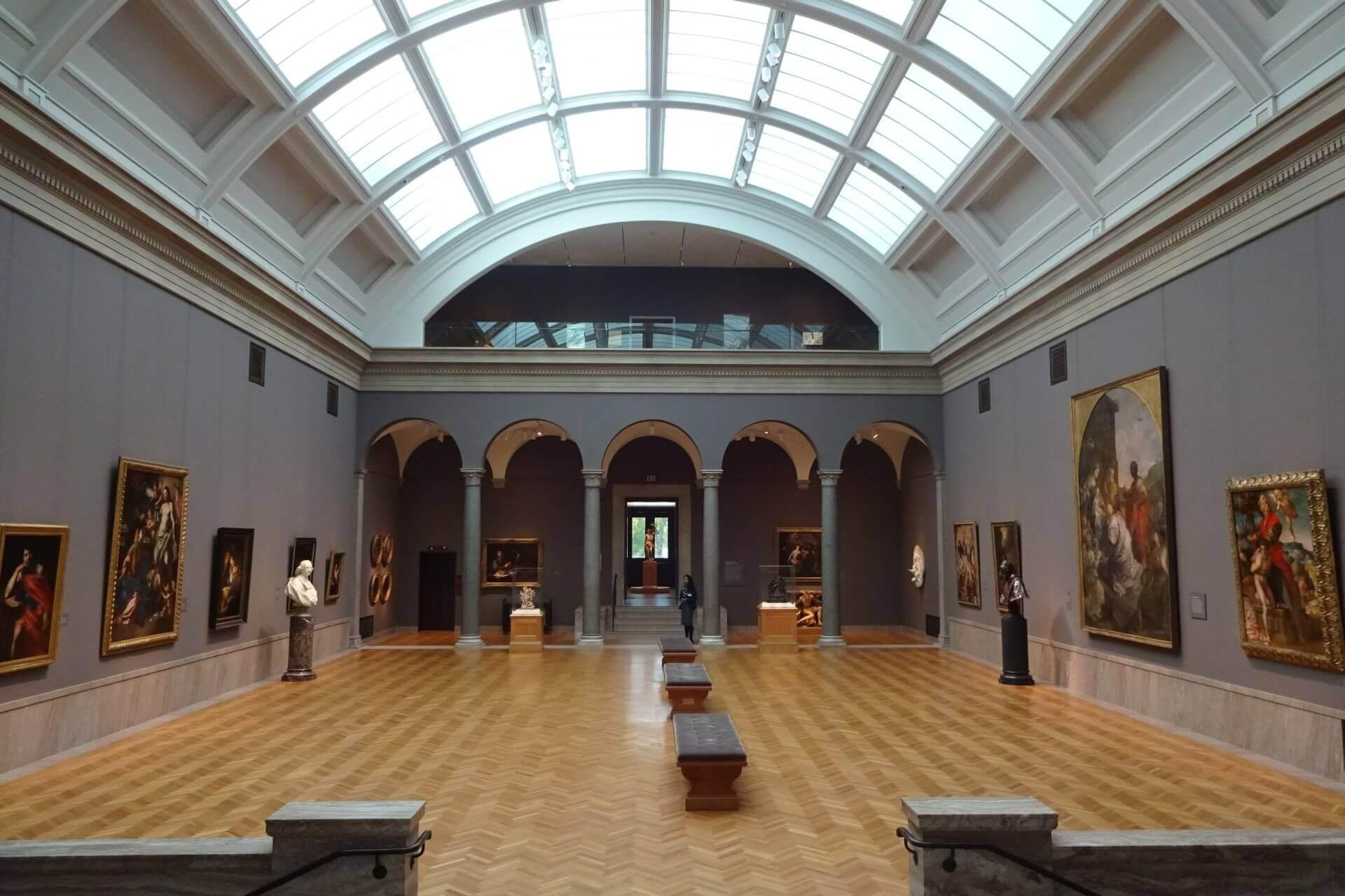 Ausstellungsraum im Cleveland Art Museum. Bilder und Eindrücke aus Cleveland, Ohio, United States.