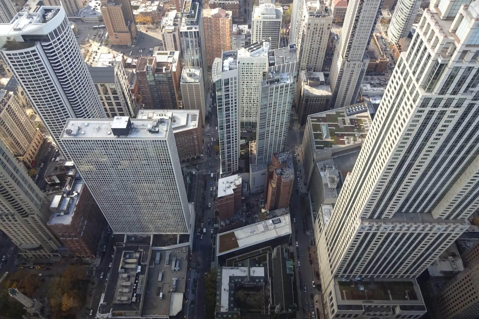 Ausblick auf Downtown vom observatory im 94. Stockwerk des John Hancock Center. Bilder und Eindrücke aus Chicago, Illinois, United States.